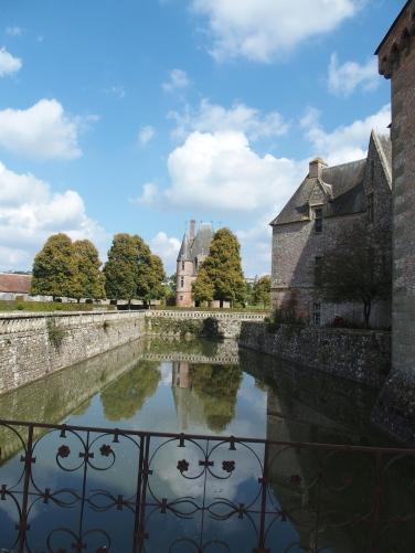 Changement de lieu et d'époque, avec la visite du beau château de Carrouges.
